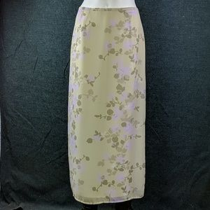 Exquisite Old Navy Floral Midi-Skirt